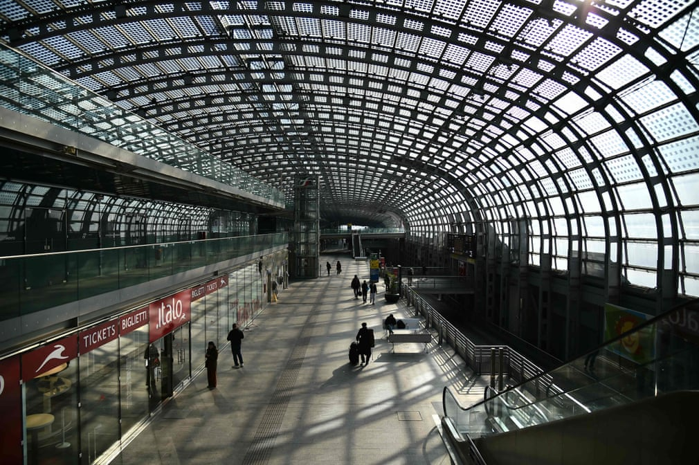 Beautiful Italy under quarantine. This is how the Porta Susa railway station in Turin looks today.