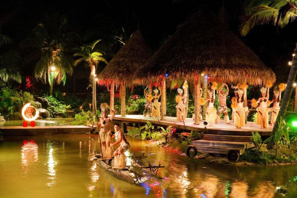 The locals stick to their tradition.  A great example of this is the Te Vara Nui Over-Water Night Show.