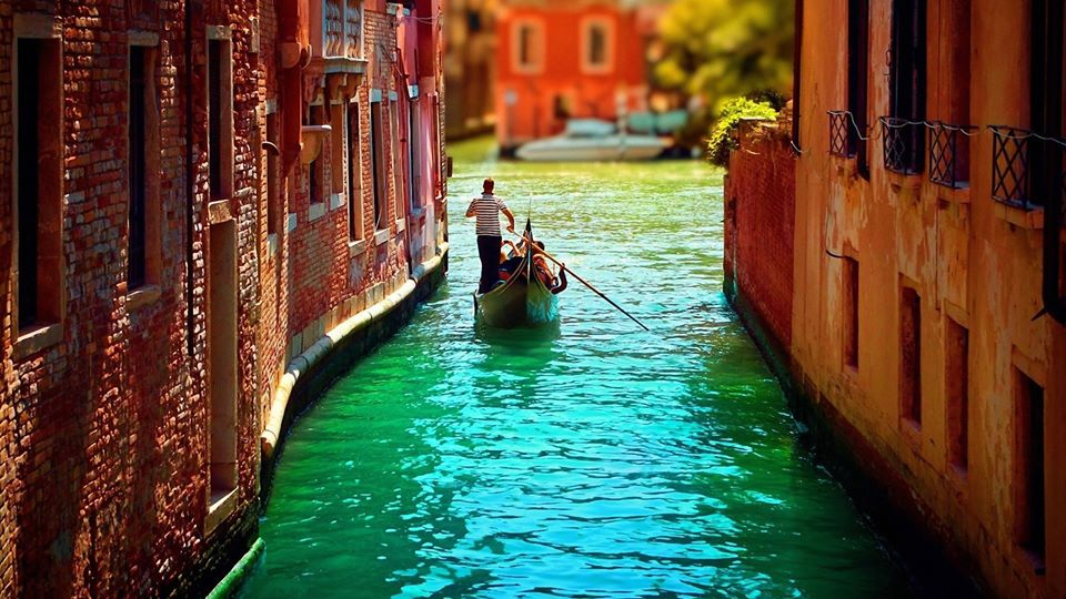Venice must be on your list of the most beautiful cities in Europe.