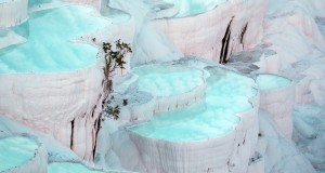 Pamukkale thermal pools are located in Turkey.